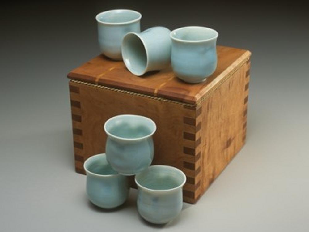 box-and-tea-bowls