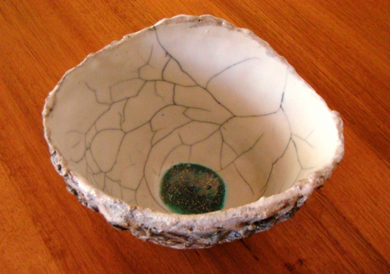 inside-surfaced-treated-pinch-pot