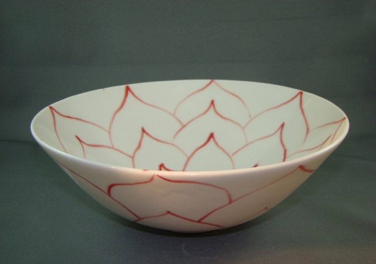 porcelain-bowl-red-flower-decoration